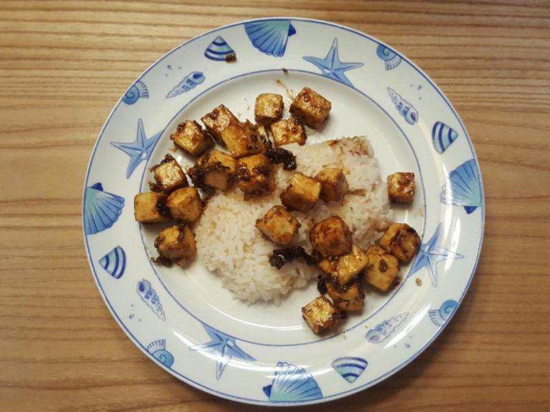 Tofu sauté à l'ail et au poivre